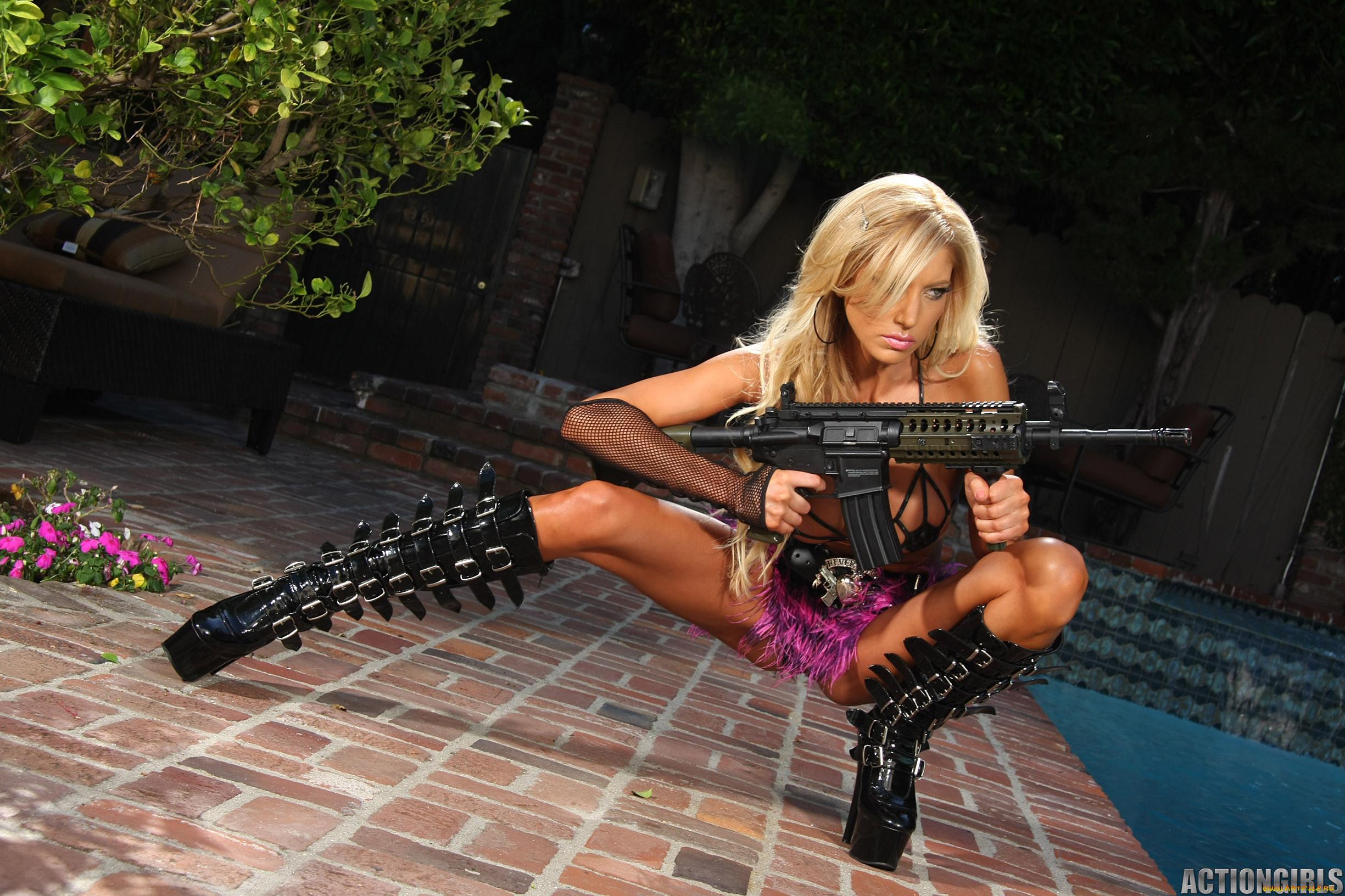 Оружие проституток проститутка минет онлайн